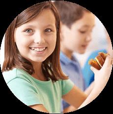 Children eating sandwiches