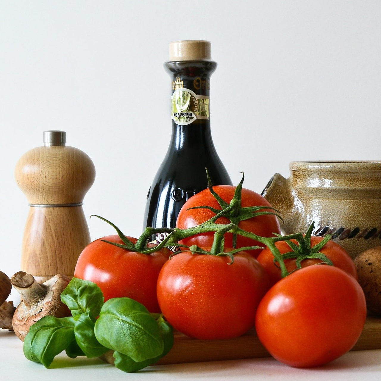 Tomatoes and condiments